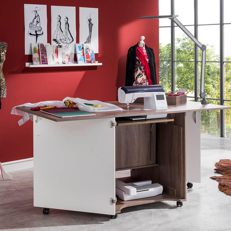 Auch beim Nähmöbel CRAFT sorgt die Nähleuchte für einen hellen Näh- und Arbeitsplatz.