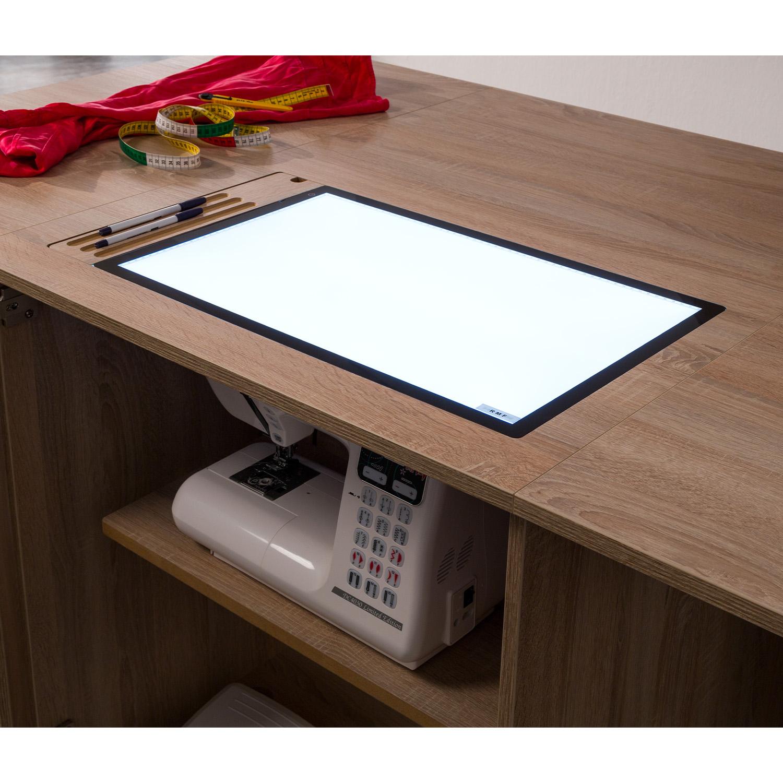 Hier das optional erhältiche LED-LightPad, dass anstelle der Freiarmeinlage eingelegt werden kann.
