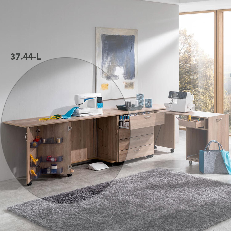 Die Kombination Hamburg mit dem Nähmöbel BASE, Falltür links dient als toller Arbeitsplatz im Nähzimmer.